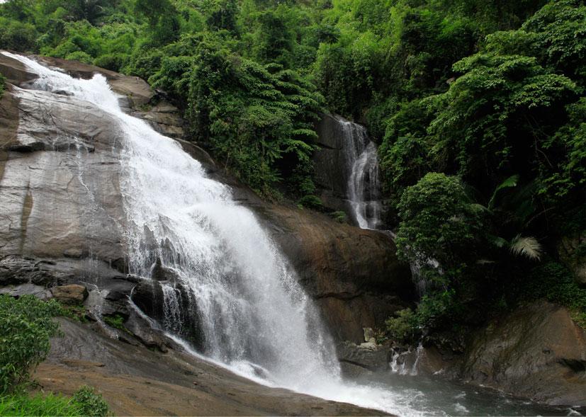 thusharagiri-falls