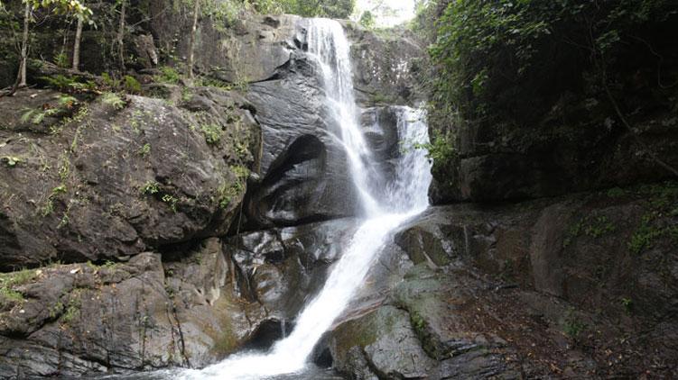 kalakkayam-waterfalls