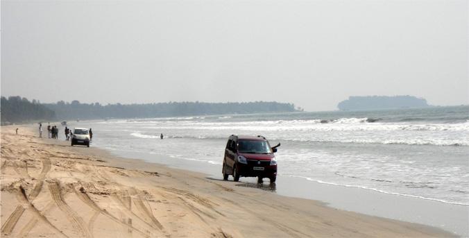 muzhapilangad-beach