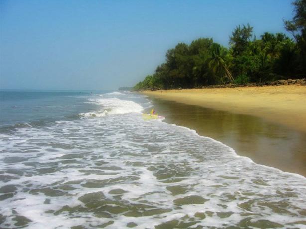 padinjarekara-beach