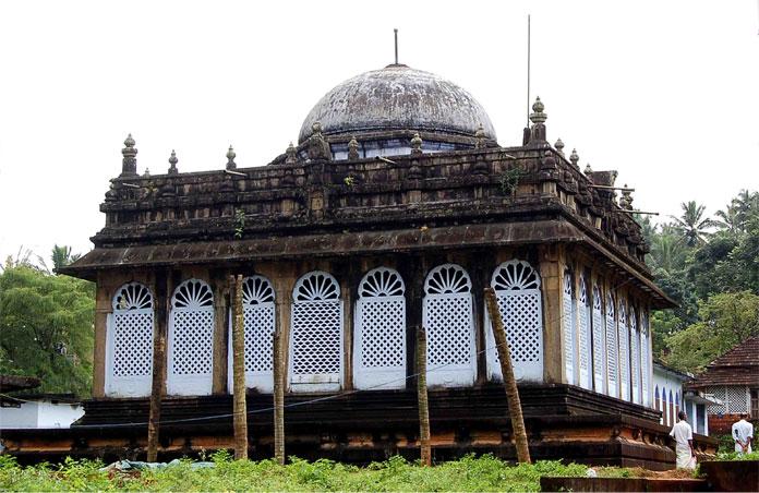 pazhayangadi-mosque