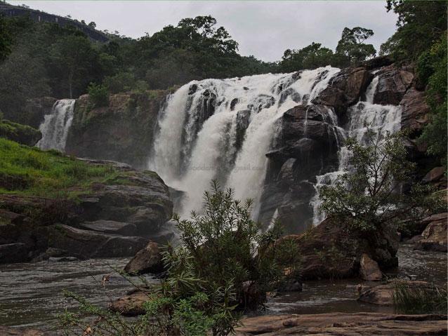 thoovanam-waterfalls