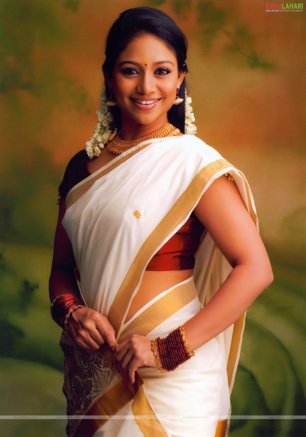 Actress Kerala Traditional Dress (5)