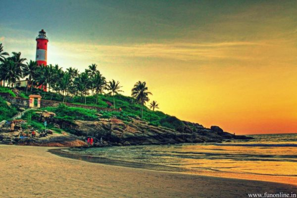 keralas-kovalam-light-house-beach-wallpaper